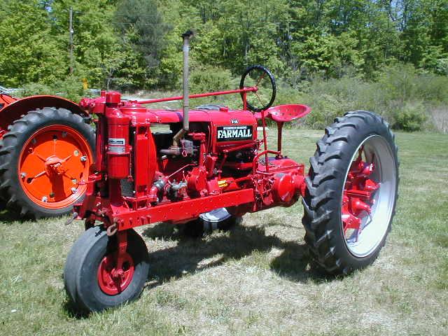 Farmall F 12 : Tracteur farmall f