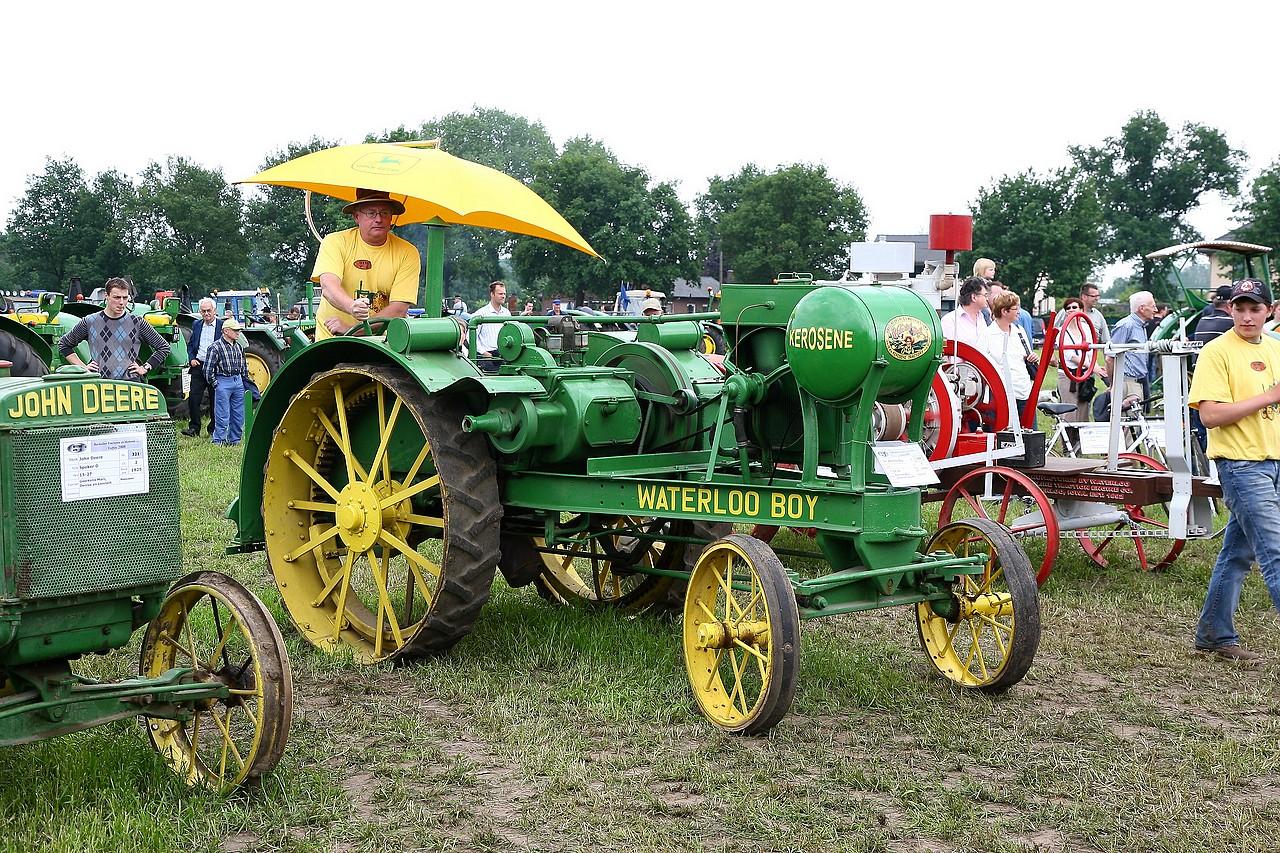 John deere page 3 sur 3 - Histoire du tracteur ...