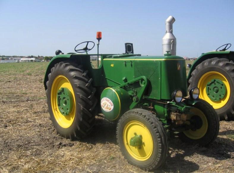 Vierzon - Cars et les tracteurs ...